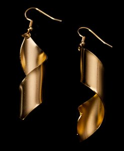 Man Ray Earrings : Lampshade (gold)