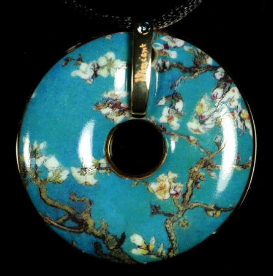 Van Gogh pendant : Almond tree in flower
