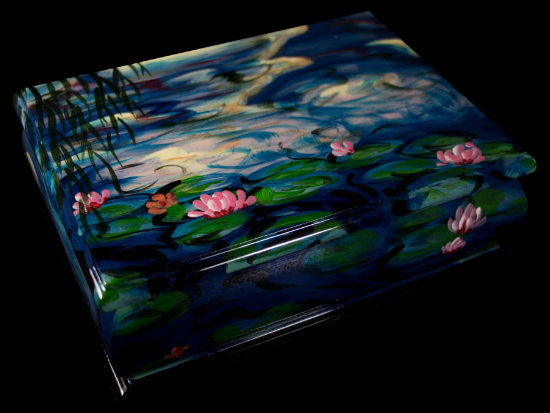 Claude Monet lacquered wood box : Nympheas