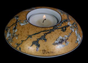 Van Gogh tealight holder in porcelain : Almond Tree (gold)