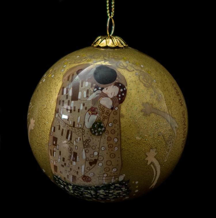 Gustav Klimt Glass ball christmas ornament : The kiss