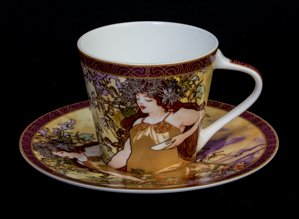 Mucha coffee cup, The fall