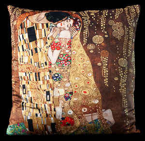 Gustav Klimt cushion : The kiss