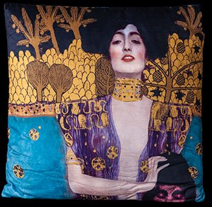 Gustav Klimt cushion : Judith