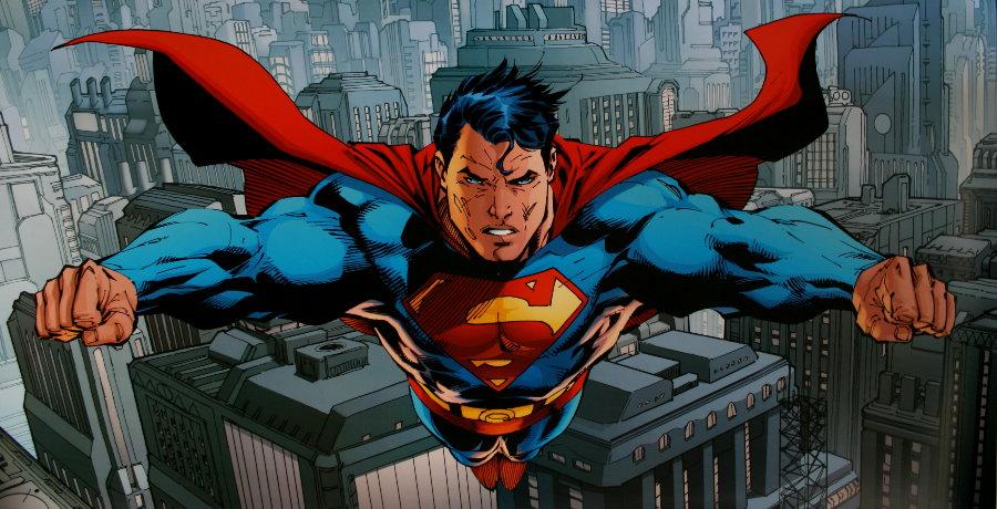 DC Comics : Flying over Metropolis