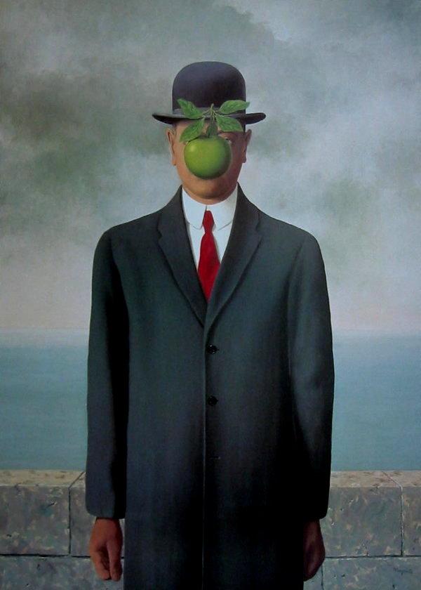 http://www.passion-estampes.com/deco/affiches/magritte/magrittefilsdelhomme.jpg