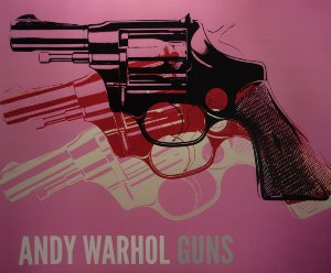 Stampa Warhol, Gun (on pink), 1981-82