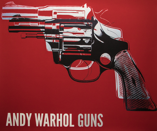 Lámina Andy Warhol, Guns, c.1981-82 (white and black on red)