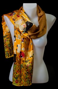 Gustav Klimt scarf : The kiss (gold)