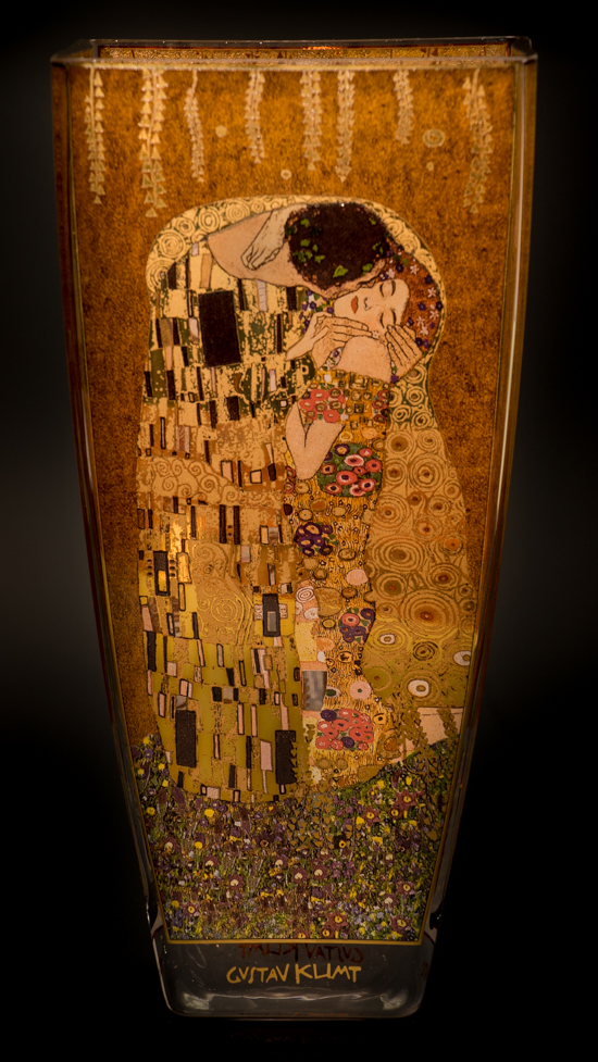 Gustav Klimt glass vase : The kiss