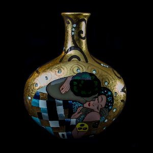 Gustav Klimt ceramic vase : The kiss