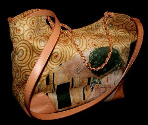 Gustav Klimt Handbag : The kiss
